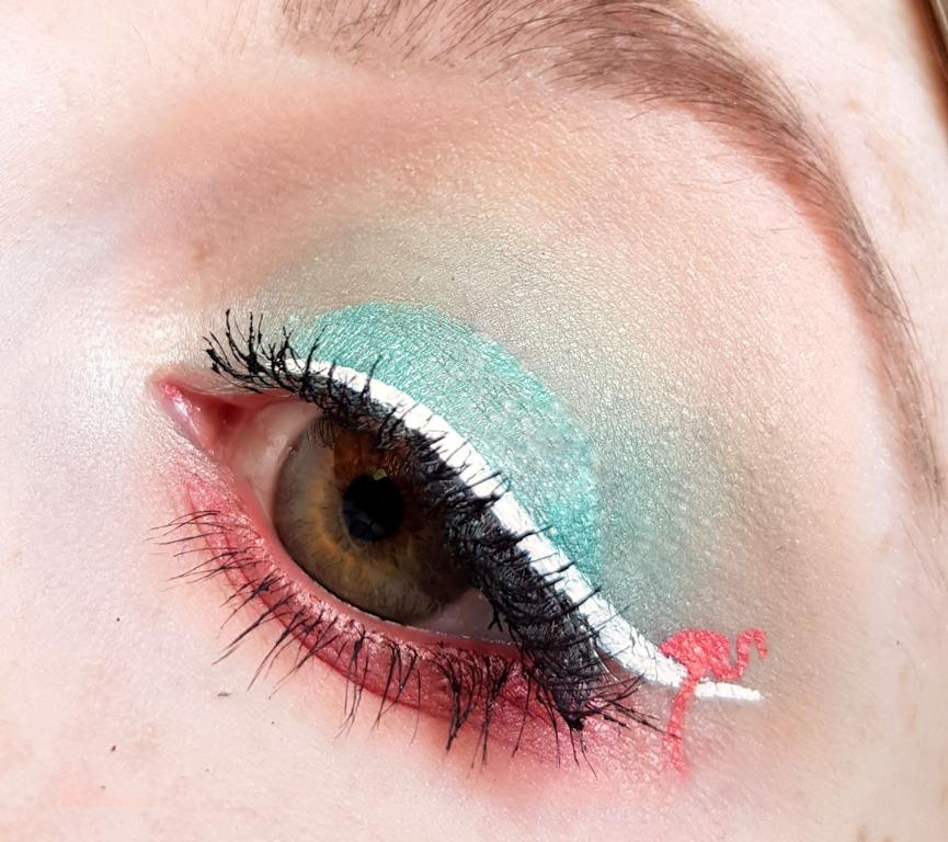 Make-up Flamingo