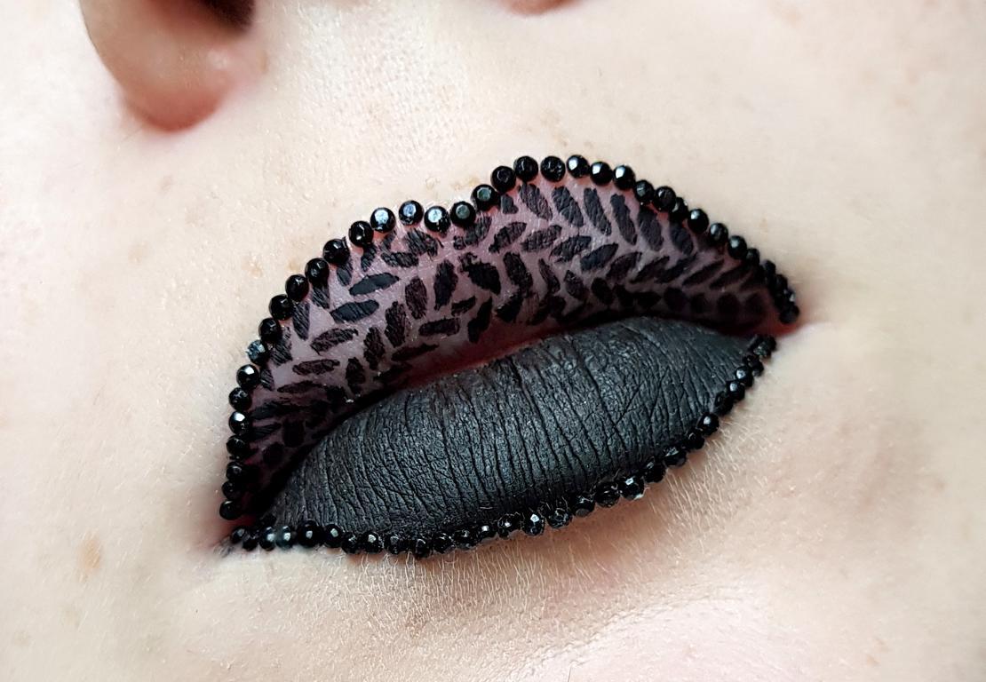 Black lipart
