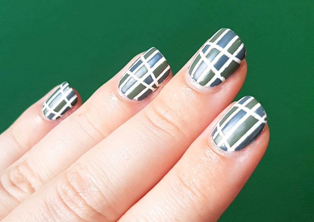 Striping Tape Nailart