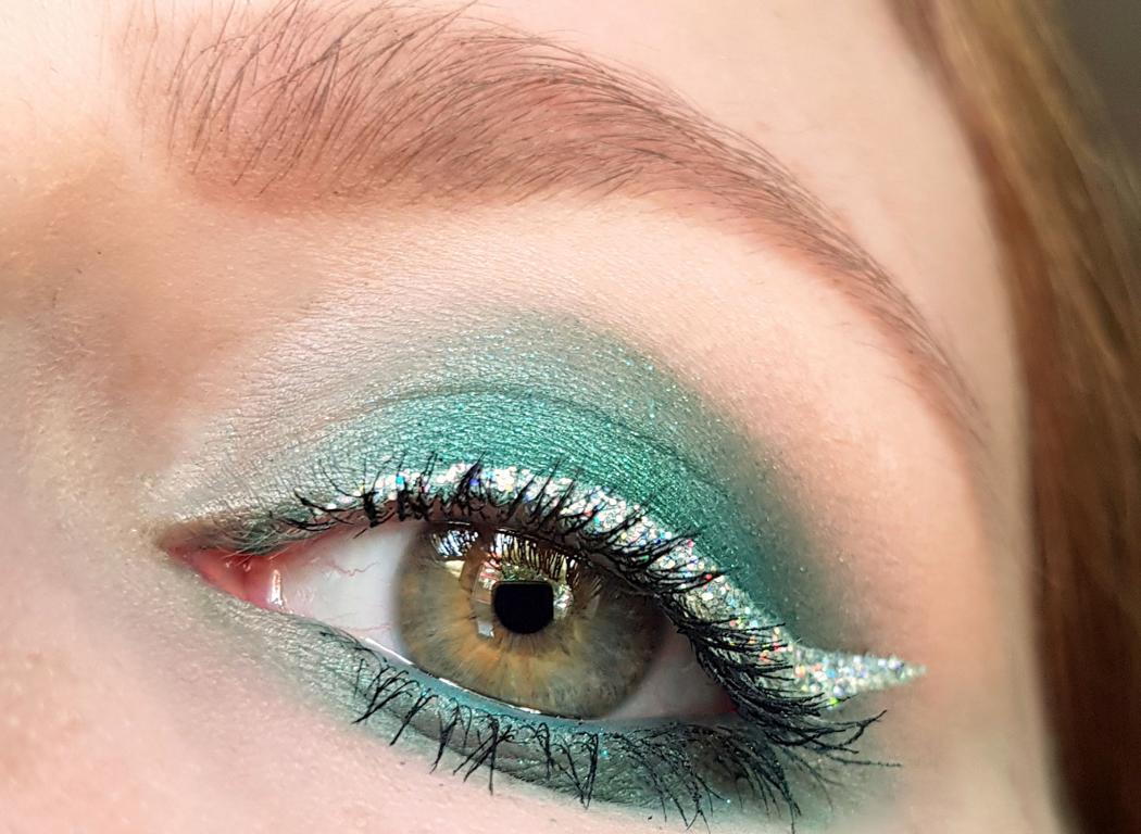 Holo Eyeliner Make-up