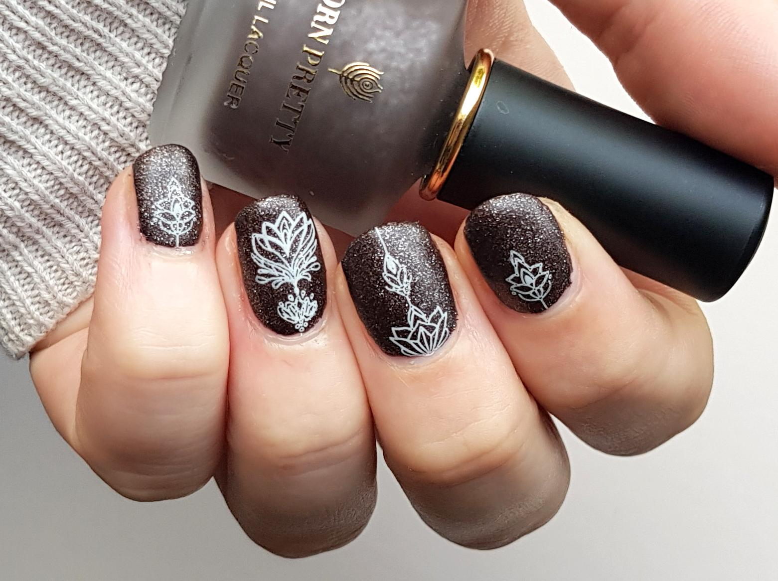 Naldesign Stamping White Ornaments