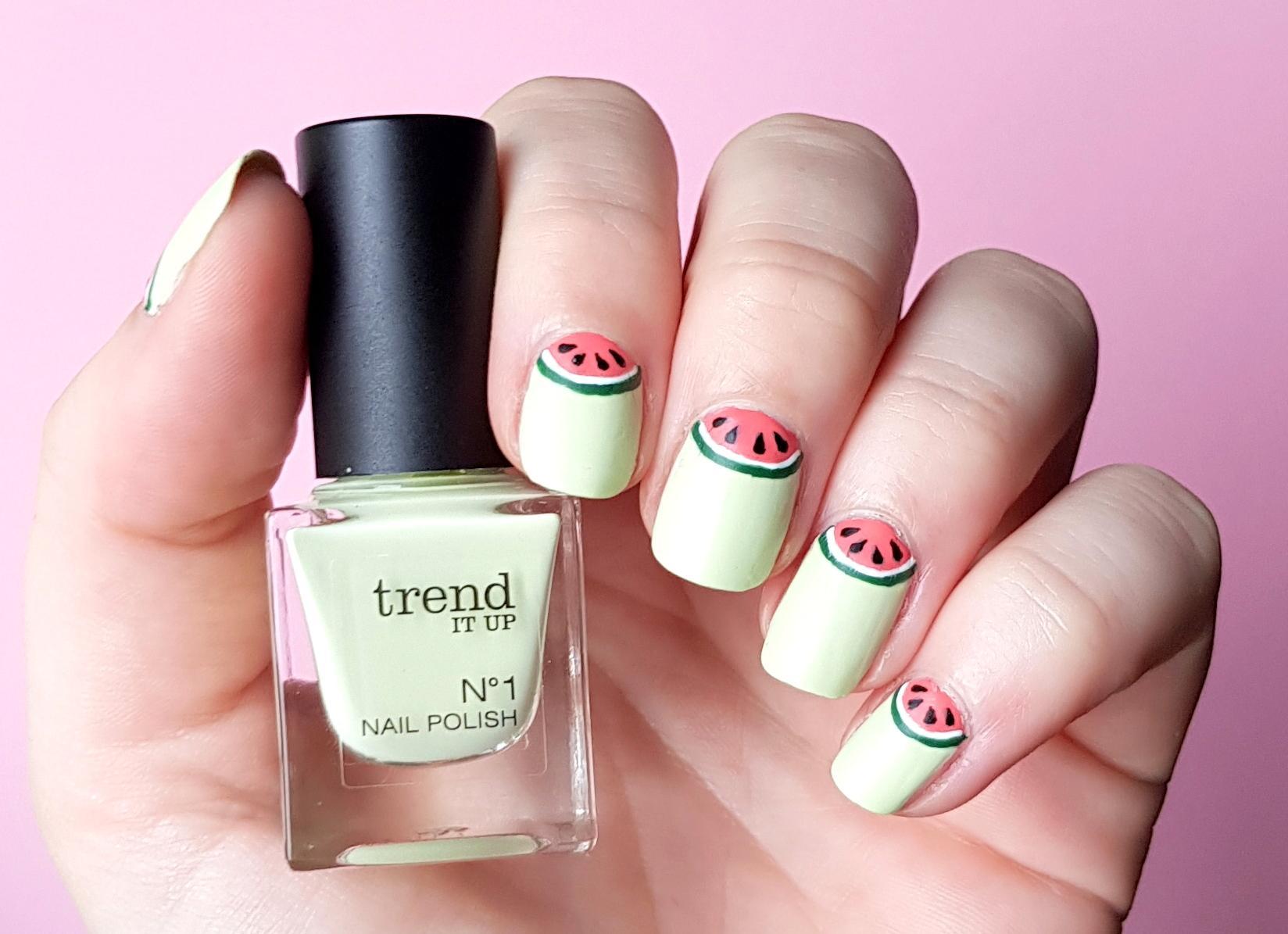 Halfmoon Wassermelonen Nailart trend it up