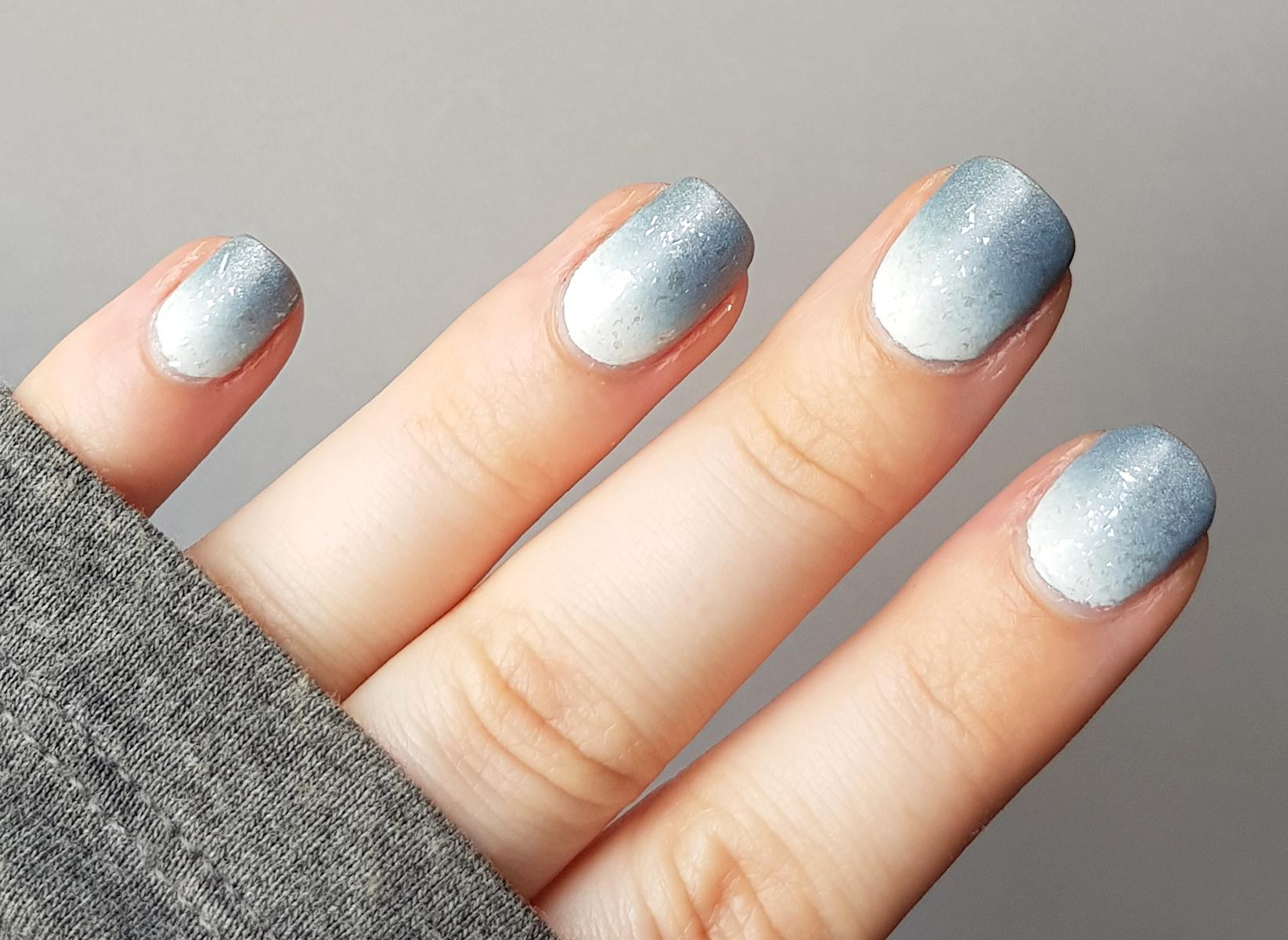 Gradient Nailart Picture Polish London