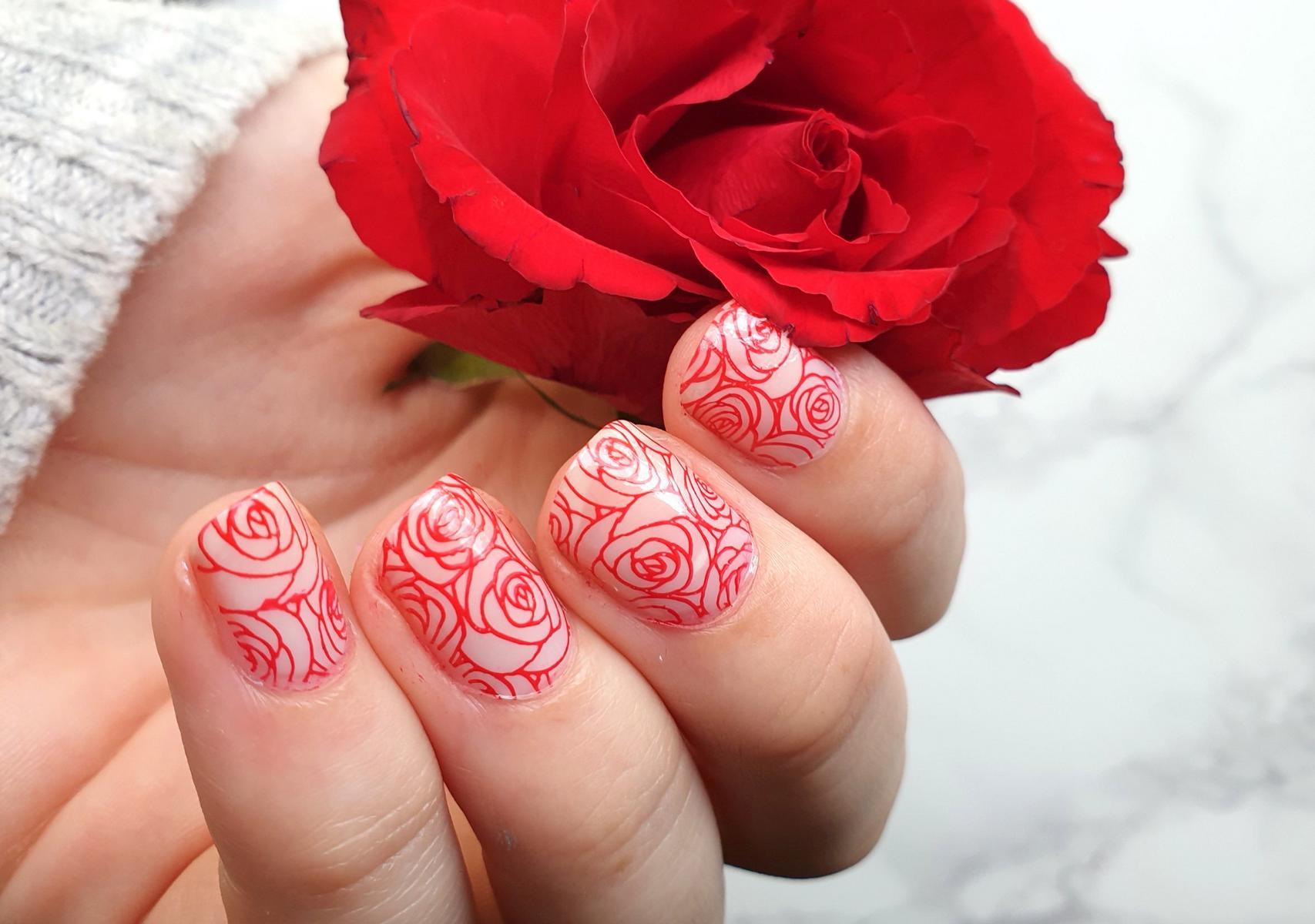 Artdeco Roses Stamping Nailart