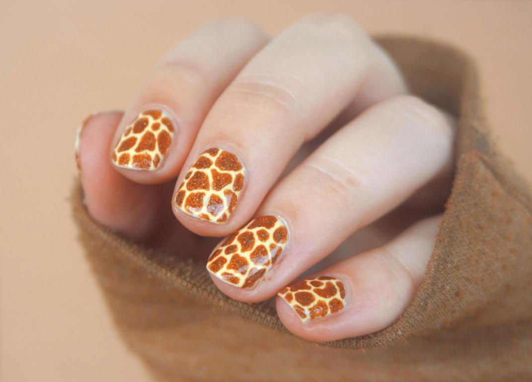 Giraffe Nailart