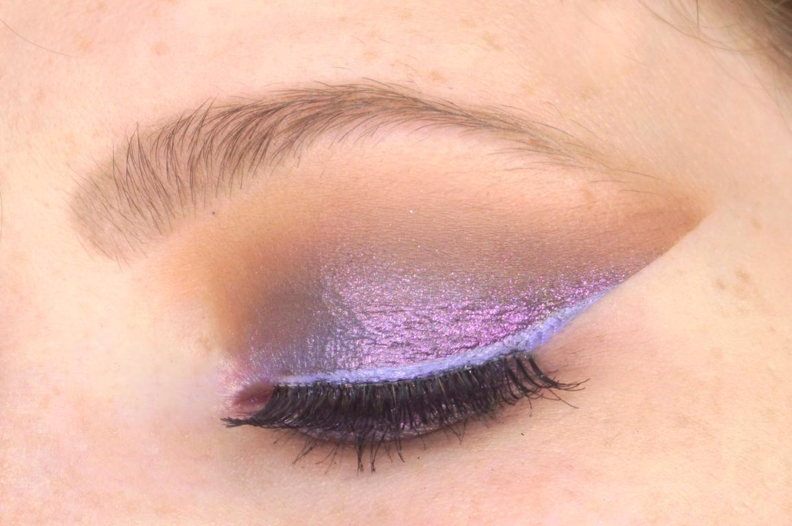 Make-up 1991 Alchemist Spooky Illusion Eyeshadow Look Duochrome