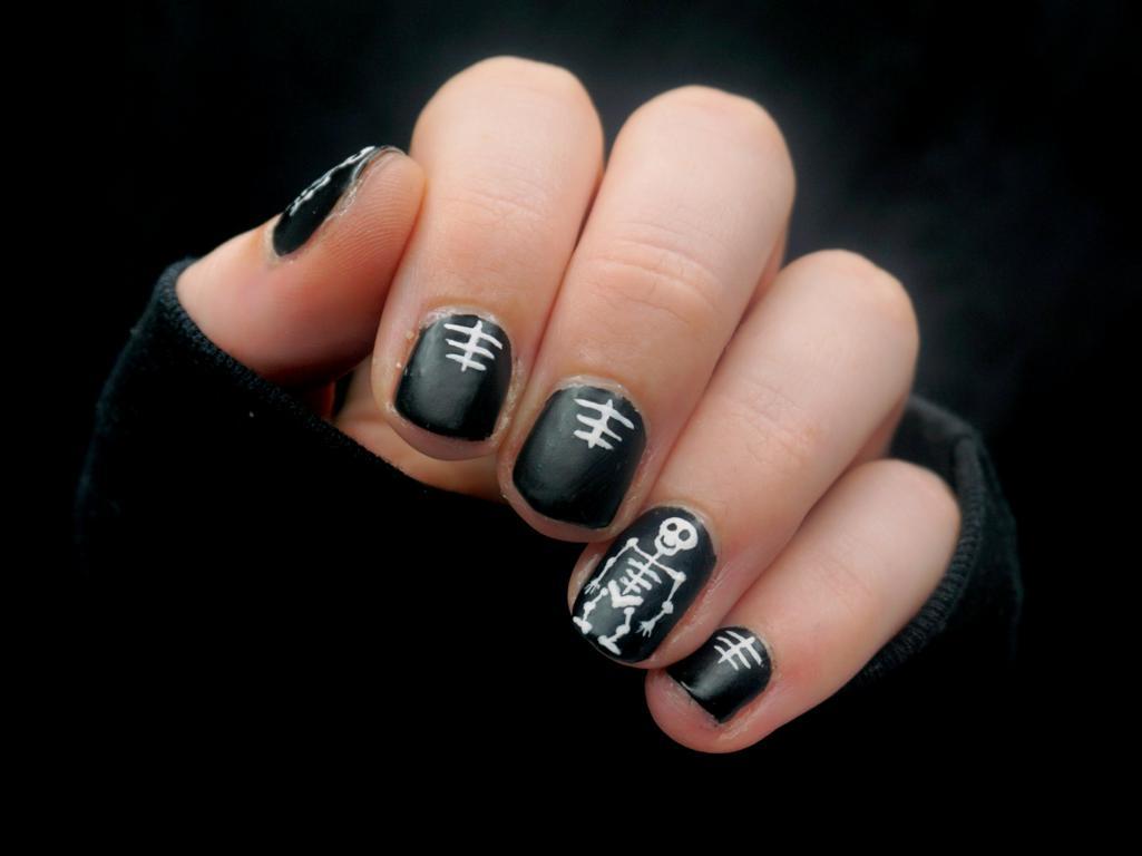 Skeleton Nails