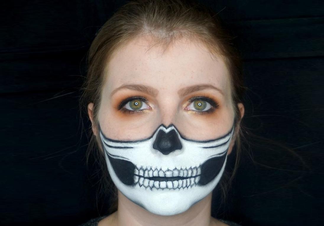 Half Skull Make-up