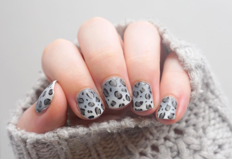 Schneeleopard Nailart