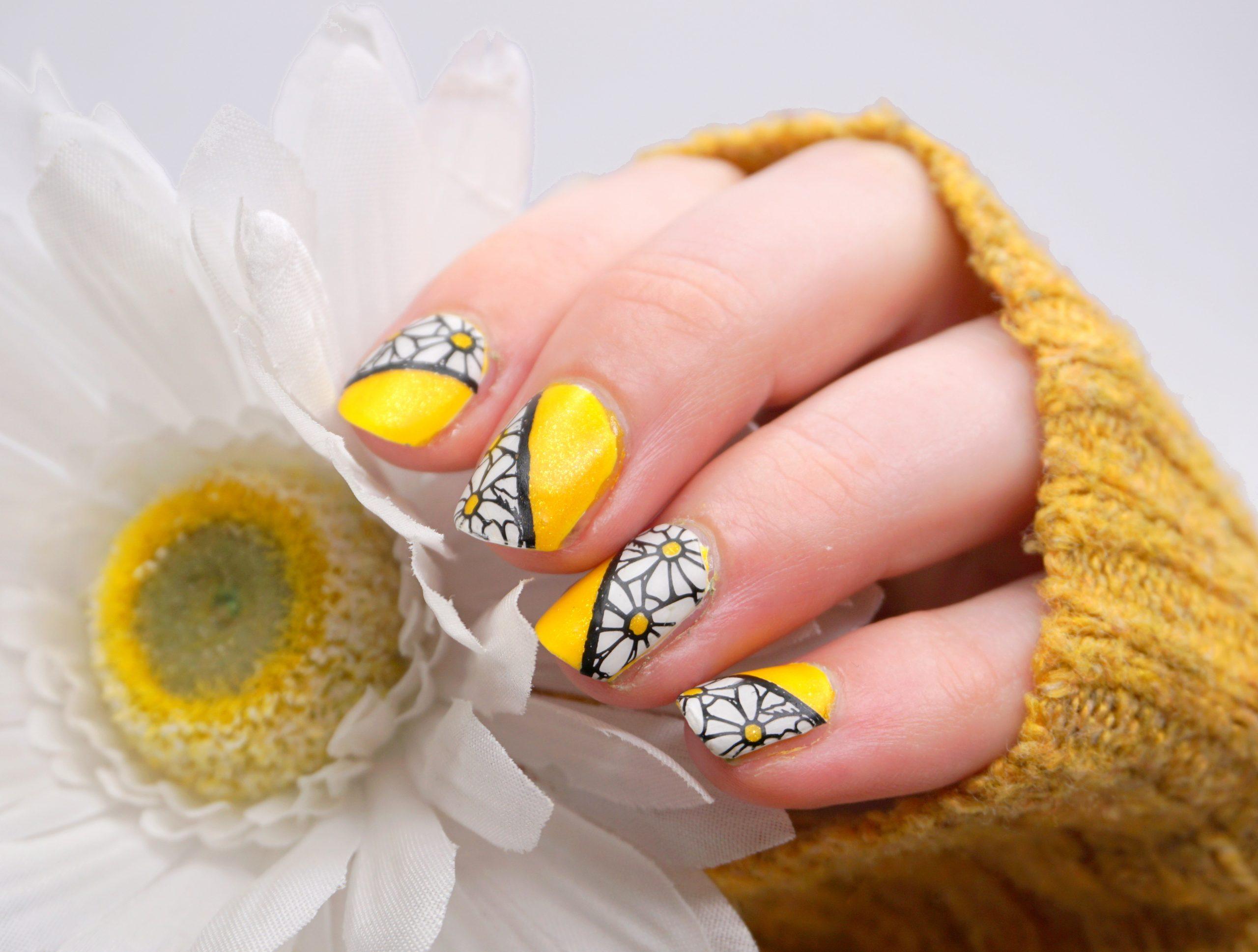 Gänseblümchen Nailart